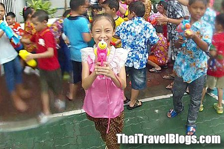 Schedule and Dates for SONGKRAN 2012 | Thai Travel News by Paknam Web