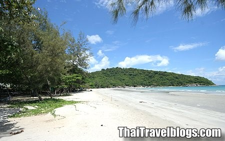 The First Major Beach In Rayong Is  Kilometres After The City It Is Called Hat Mae Ramphung This Is My Favourite Beach And If You Are Coming Here