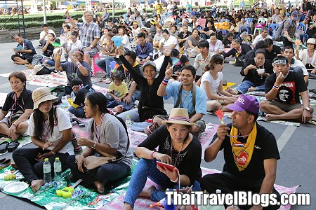 Is it Safe to visit Bangkok in November 2013?