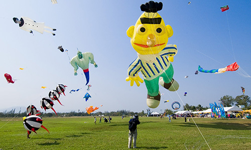 Cha-Am International Kite Festival 8-9 March 2014