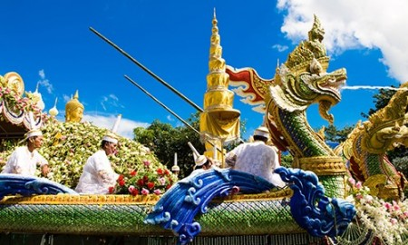 Thailand to celebrate the end of the Buddhist Lent 2014 nationwide