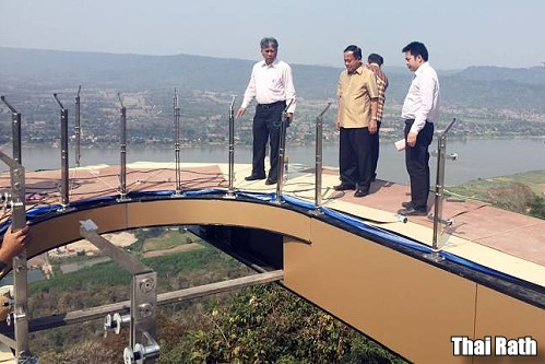 Glass skywalk over cliff in Nong Khai is 80% finished