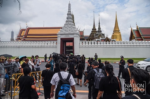 Tourists are NOT being urged to avoid Bangkok in October