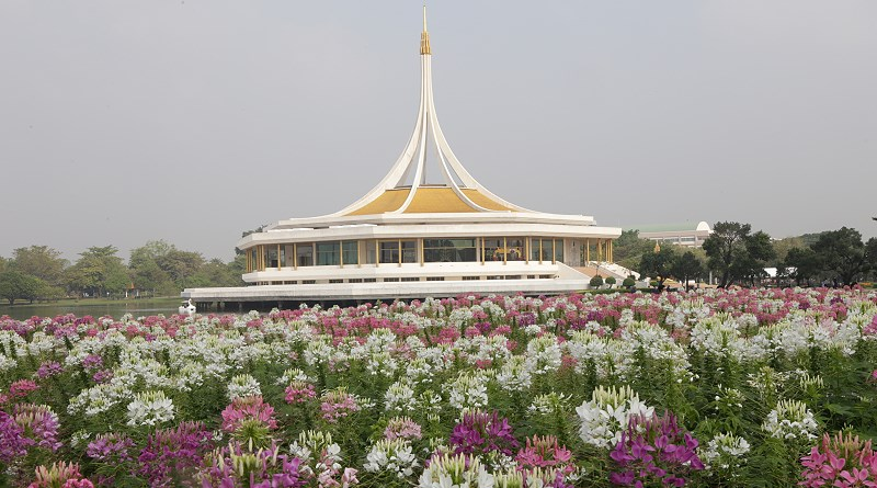 Suan Luang Rama IX Flower Festival from 1-10 December 2017